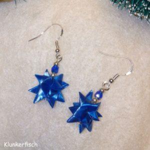 Ohrringe mit Fröbelsternen und Perlen in Dunkelblau