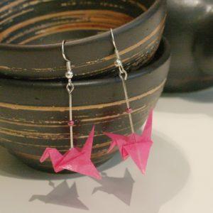 Origami-Ohrringe mit Kranichen in Pink