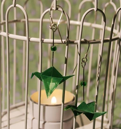 Origami-Ohrringe mit Kranichen in Dunkelgrün