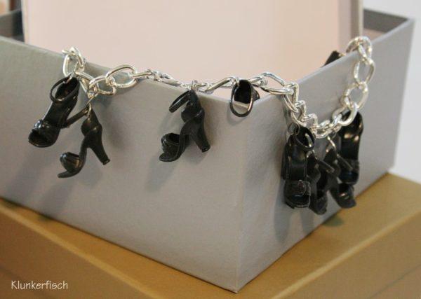 Bettelarmband mit Schuhen *Schwarze Sommerliebe*