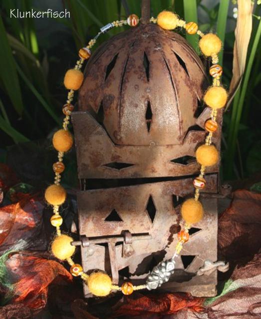 Sonnengelbe Bollywood-Halskette *Suvarnmala*