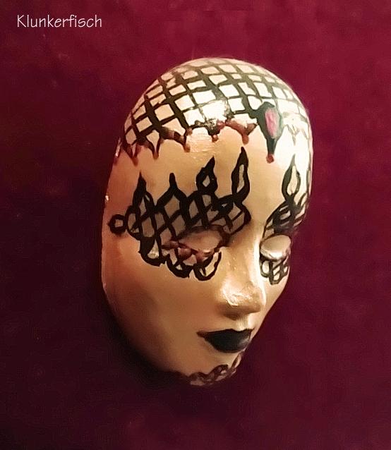 Masken-Brosche *Golden Flame*