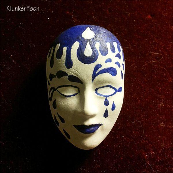 Masken-Brosche *Regen*