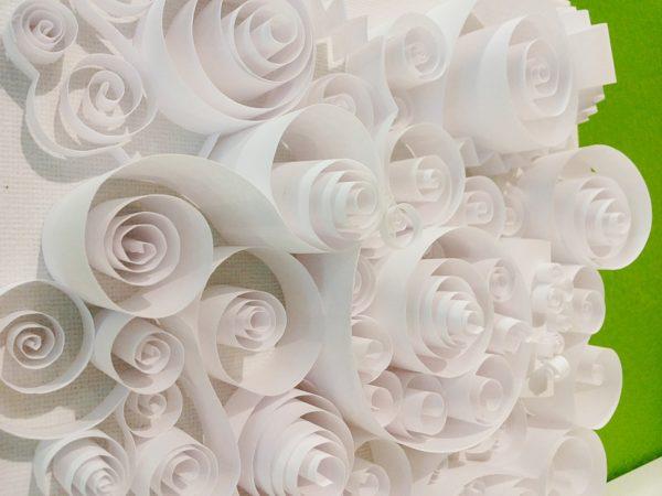 Papierkringel-Collage auf Leinwand