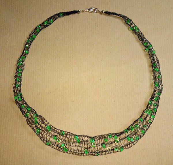 Draht-Halskette in Schwarz und Neongrün