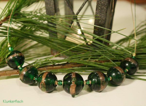 Glasperlen-Halskette in Grün und Gold