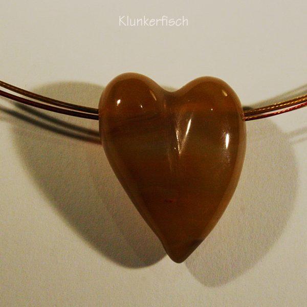 Halskette mit Herz-Anhänger aus Karneol