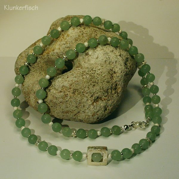 Halskette aus Aventurin und Silber