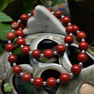 Collier aus Jaspis- und Silber-Perlen