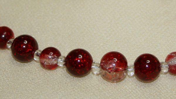 Glitzernde Halskette in Rot
