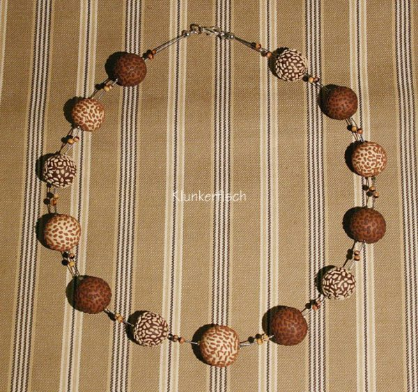 Halskette *Schokokugeln mit Karamell*