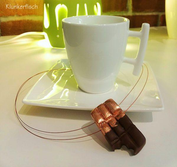 Halskette *Schokolade in Kupferpapier*