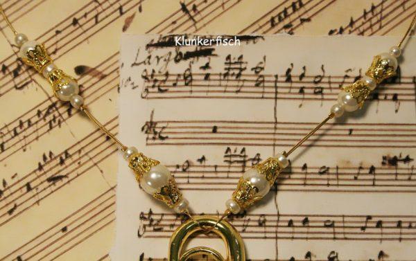 Halskette *Goldene Tuba*