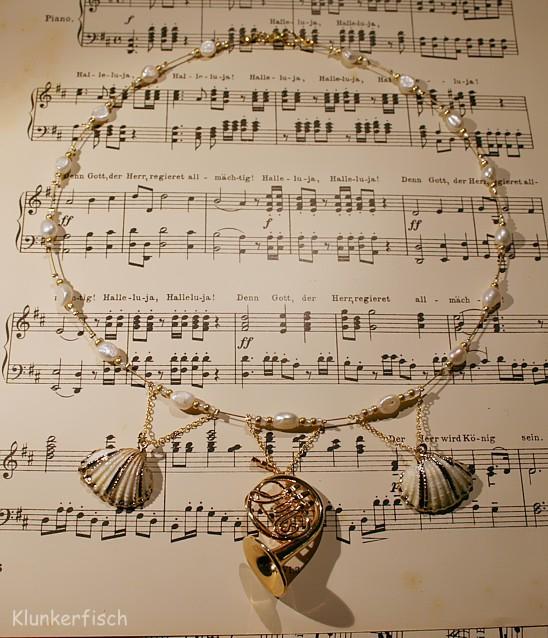 Halskette *Terzett mit Waldhorn*
