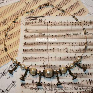Halskette *Trompetenstück*