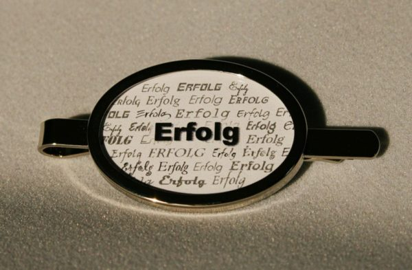 Ovale Krawattenklammer *Erfolg* in Silber