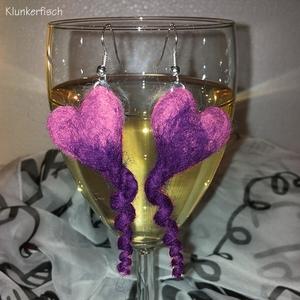 Ohrringe mit Ringelschwanz-Herzen in Flieder und Violett