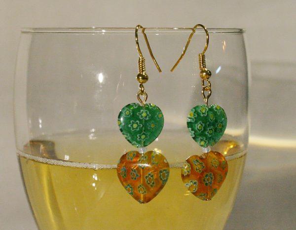Ohrringe mit gelben und grünen Millefiori-Herzen