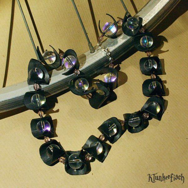 Halskette aus Fahrradschlauch *Um den Waldsee*