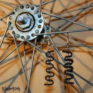 Ohrringe aus Fahrradschlauch mit transparenten Glasperlen *Welle 1*