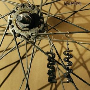 Ohrringe aus Fahrradschlauch mit Silberperlen *Welle 2*