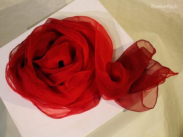 Tuch in Schalform aus Seiden-Chiffon in Rot
