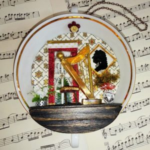 Tassen-Boudoir von Heike Engel: Händels Musikzimmer mit Harfe