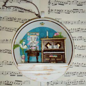Tassen-Boudoir von Heike Engel: Händels Musikzimmer mit Klavier