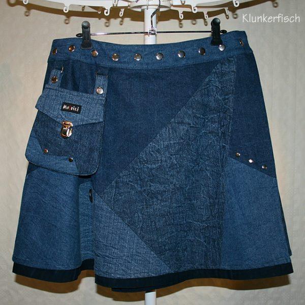 Weiter Jeans-Wickelrock mit abknöpfbarer Tasche