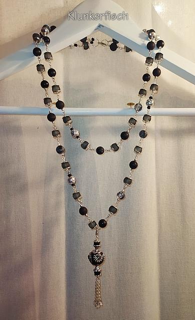 Extralange Modul-Kette aus Glas- und Schmuckstein-Perlen mit Quasten-Anhänger