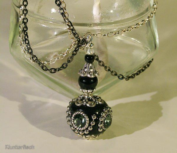 Lange Halskette mit Kashmiri-Perlen-Anhänger *Harlekin*