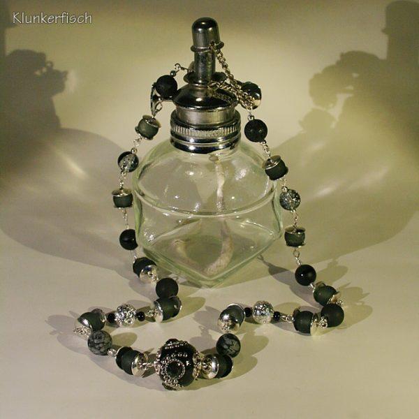 Festliche Modul-Kette aus Glas- und Schmuckstein-Perlen mit einer Kashmiri-Mittelperle