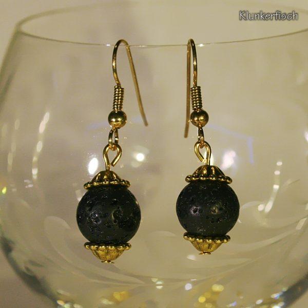Schwarz und Gold! Ohrringe aus Lava-Perlen zwischen Blumen-Perlkappen