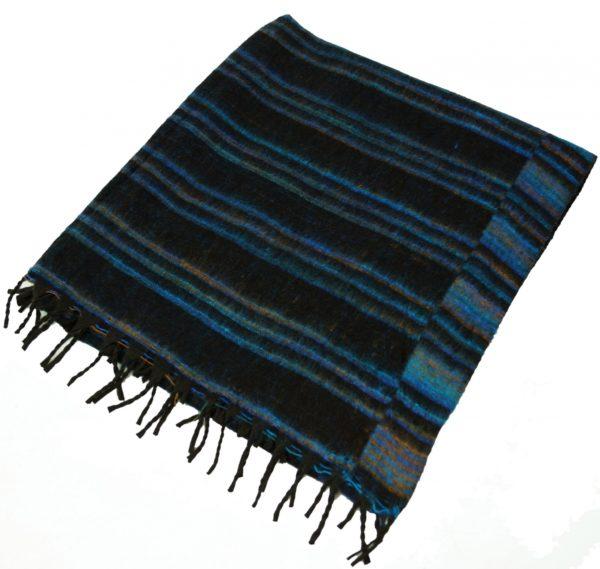 Kuschelweicher großer Schal / Plaid in Blau und Schwarz
