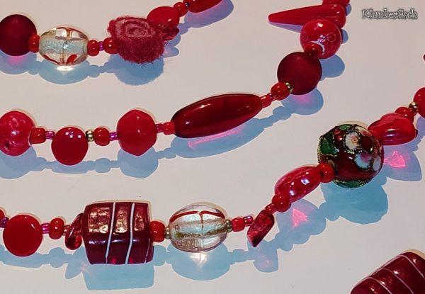 Halskette und Gürtel *Rot Rot Rot*