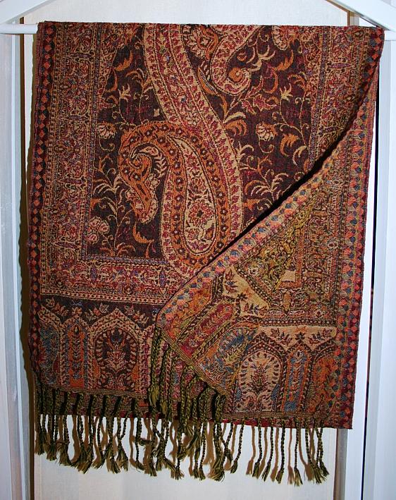 Kleiner Schal mit Paisley-Muster in Braun