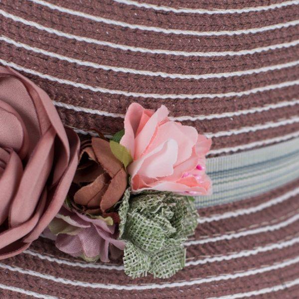 Romantischer Sommer-Hut in Altrosa mit Stoff-Blumen