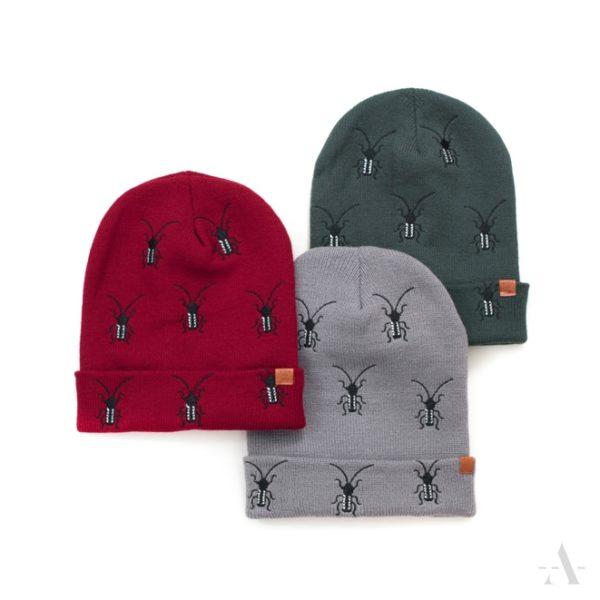 Lustige Mütze mit aufgestickten Käfern