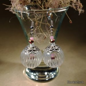 Ohrringe mit hübschen Hohlperlen und baumelnden Rocailles