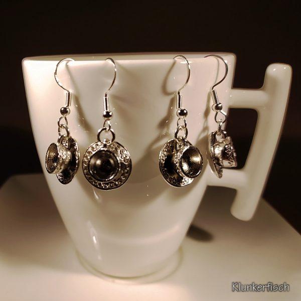 Ohrringe mit silbernen Kaffeetassen
