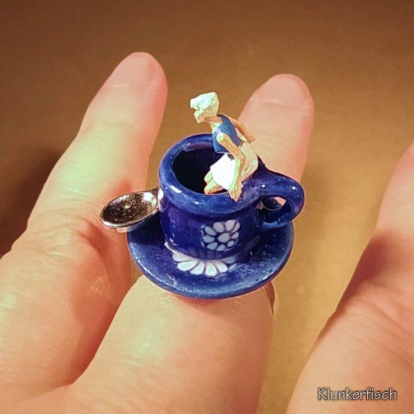 Ring mit Kaffeetasse *Die Barista*