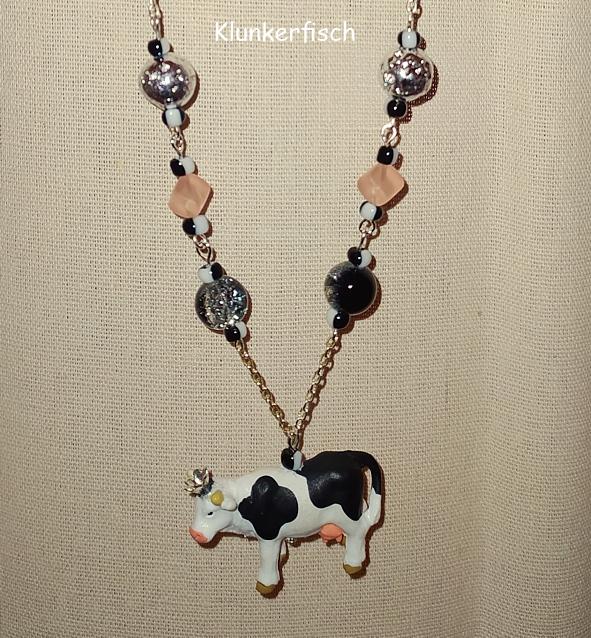Extralange Halskette mit königlichem Kuh-Anhänger - Kuh mit Krone, Lava-Perlen, Glas-Perlen