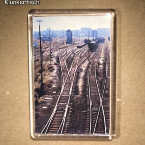 Rechteckiger Kühlschrank-Magnet mit Halle-Foto: Güterbahnhof