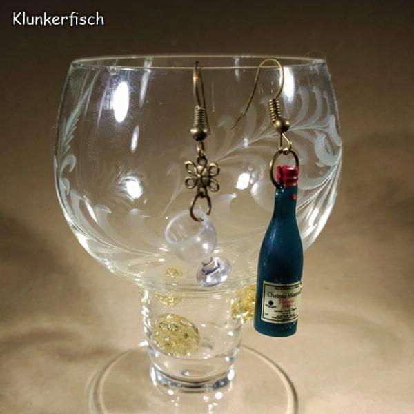 Witzige Ohrringe für Wein-Genießerinnen: Weinflasche in Petrol mit Weinglas