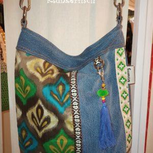 Tasche / Beutel aus Jeans und bedrucktem Canvas in Grün mit Taschenbaumler